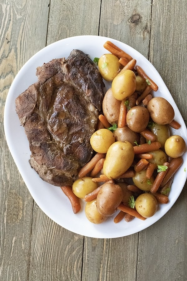 slow cooker roast beef with potatoes and carrots