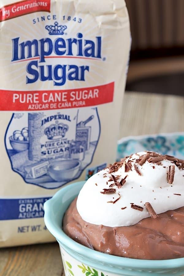 homemade-chocolate-pudding-and-sugar