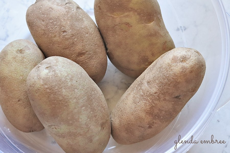 russet baking potatoes in a bowl